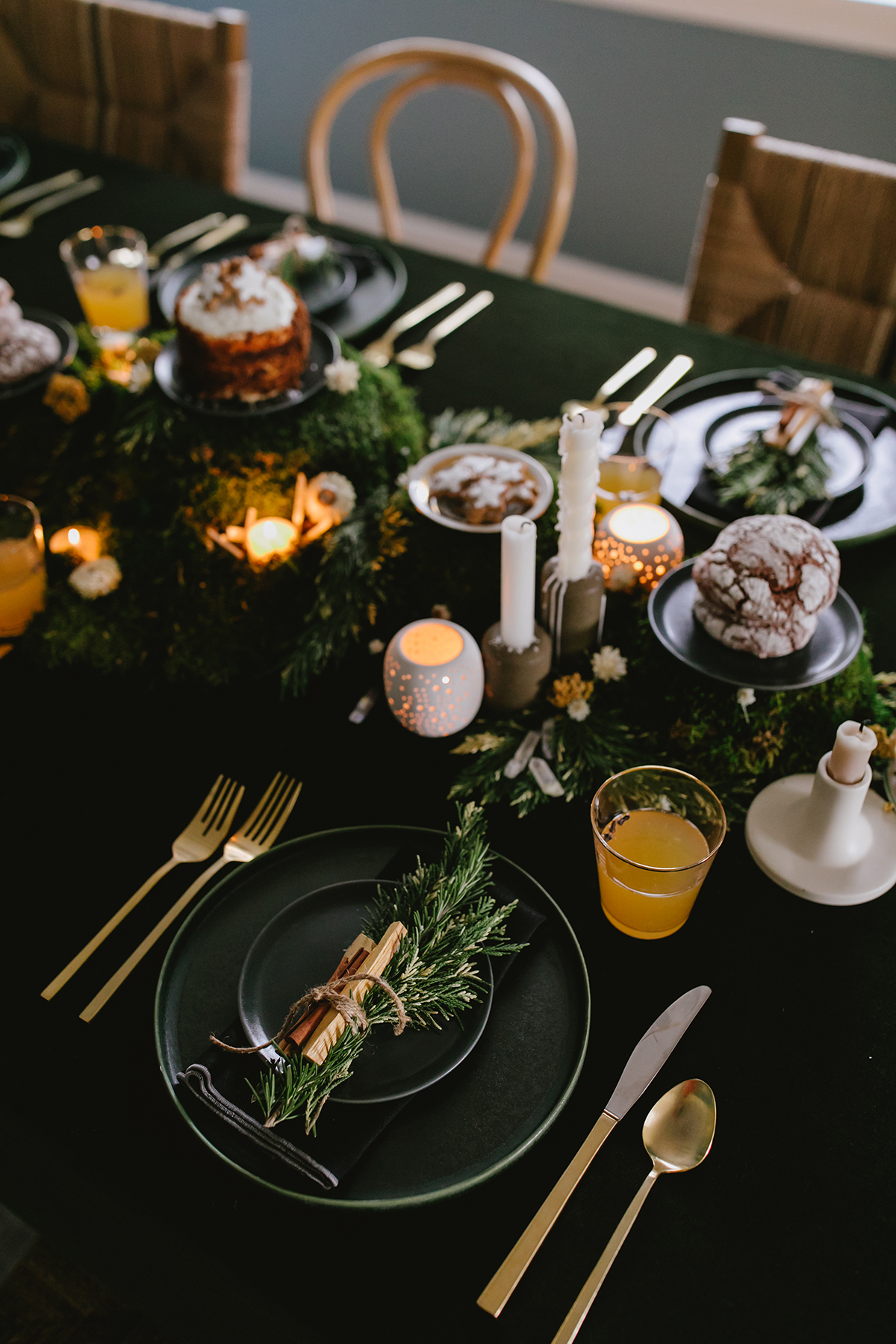 how-to-create-a-modern-winter-solstice-tabletop-with-ancient-traditions